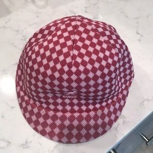 Girls Kangol hat NWOT Sz Med pink check pattern